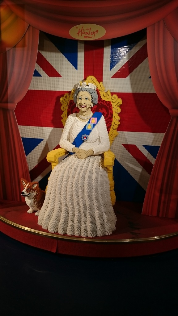 life sized replica of queen elizabeth made out of lego blocks
